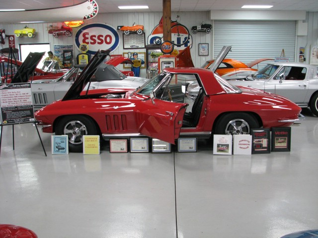 1966 Red Convt  300hp Top Flight 011