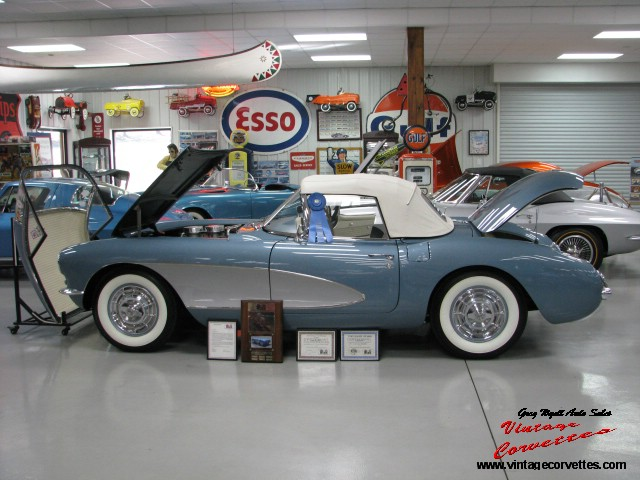 1957 Artic Blue Duntov 028